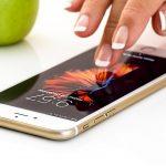 L'app Immuni su uno smartphone ogni cinque